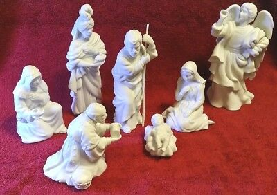 Vintage Nativity Avon Porcelain  White 7 pc Inn Keeper Angel Holy Family Jesus