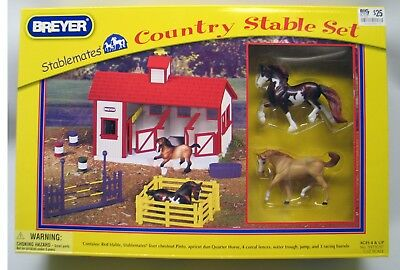 NEW/SEALED Breyer Stablemates COUNTRY STABLE SET #9979197 includes 2 SM horses