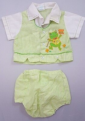 Vintage Green Frog New Born to 3 months Baby Shirt and Matching Diaper Cover