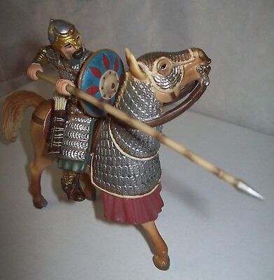 Schleich World of Knights Arabian Soldier on horse with spike - 70040