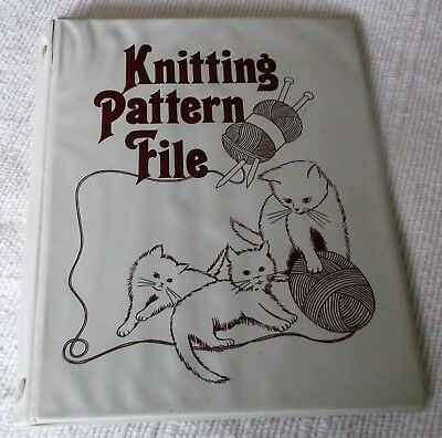 "KNITTING PATTERN HOLDER/ALBUM approx.10"" x 8""  with CAT DESIGN"