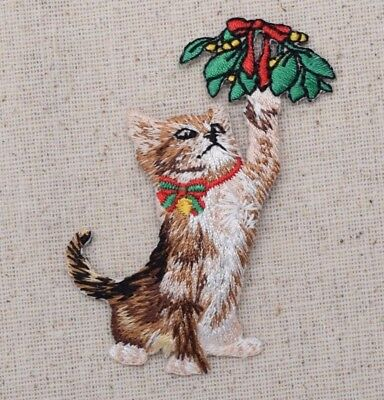Christmas Kitten/Cat Playing Mistletoe Pets Iron on Applique/Embroidered Patch