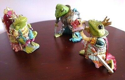 Camelot frogs figurine lot - King Ribbit -Sir Hop A Lot - Knight Of The Lily Pad