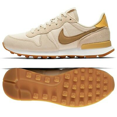 NIKE WMNS INTERNATIONALIST 828407 209 BeachSummit White