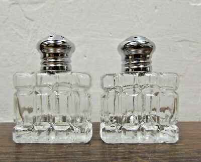 "Vintage Beautiful Crystal Glass Small Salt & Pepper Shakers 1.25"" x .75"""