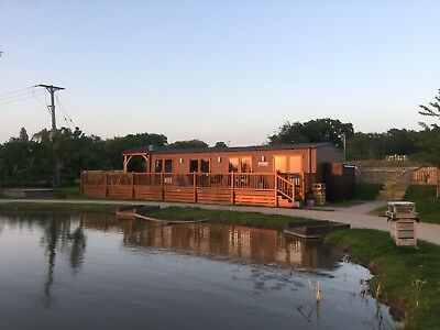 Low Deposit Luxury Lodge with Hot Tub UK Short Breaks Gift Anniversary Christmas