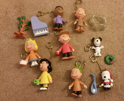 Charlie Brown Christmas Peanuts mini figure clip ons Memory Lane Linus Pig Pen +