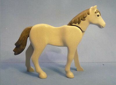 Dappled Grey Horse with White Mane /& Tail NEW Playmobil      Stables//Farm