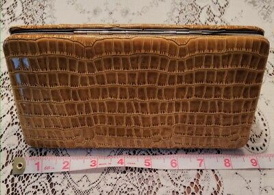 Vintage Yellow Gold Alligator Print Snap Closure Clutch Coin Change Purse Wallet