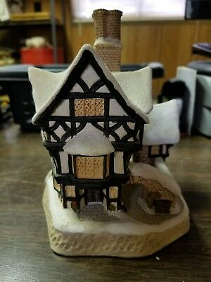 David Winter Cottages Special for Christmas 1990 Mister Fezziwig's Emporium