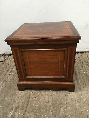Antique Victorian commode. Mahogany with concealed space for ceramic chamber pot