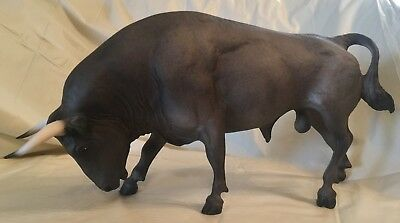 Vintage Traditional 1997–2004 Breyer #395 Spanish Fighting Bull - Dark Grey