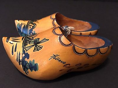 Vintage Pair Of Holland Souvenir Miniature Wooden Shoes