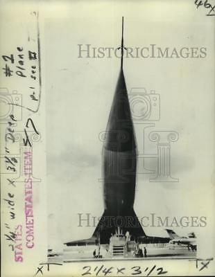 1971 Press Photo The view beneath the needle nose of the TU-144 aircraft