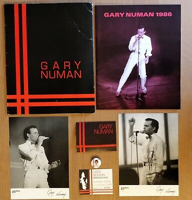 Gary Numan 1986 Fan Club Yearbook, Folder, Badge, 2 x B+W Photos, Card & Holder