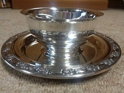 Vintage ONEIDA Silver Plate Sauce/Gravy serving Bowl w/Stand Plate Floral Trim
