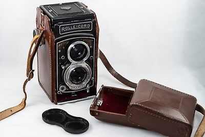 Rolleicord Vb Type 1 TLR Camera w/ 75mm f3.5 Xenar Lens, leather case