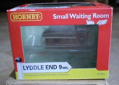 Lyddle End N8002 Small Waiting Room
