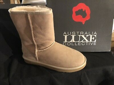 AUSTRALIA LUXE Woman NEW Classic Cosy Short Sheepskin Boots Sand 10 Retail $170.