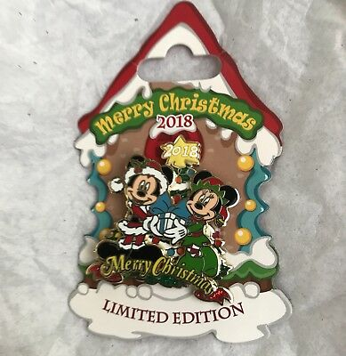 Disney Parks 2018 Christmas Day Trading Pin Mickey & Minnie Mouse NEW