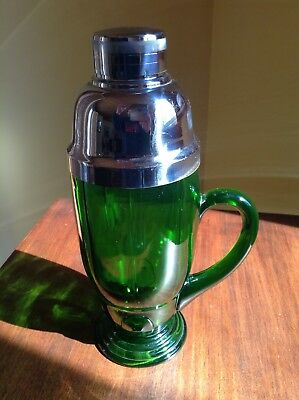 1930's NEW MARTINSVILLE MOONDROP COCKTAIL SHAKER EMERALD GREEN (SCARCE)