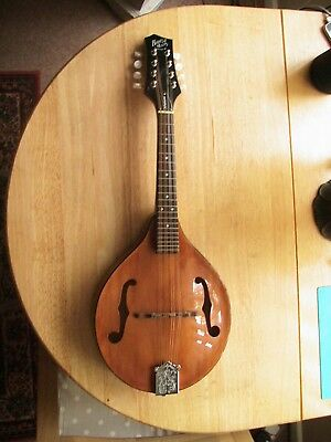Barnes and Mullins Mandolin Wimbourne model with chord book