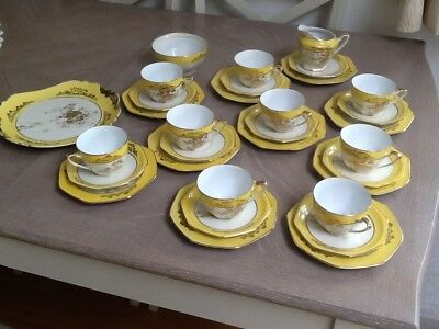 JAPANESE NORITAKE EARLY 20th CENTURY 32 PIECE TEA SET HAND PAINTED