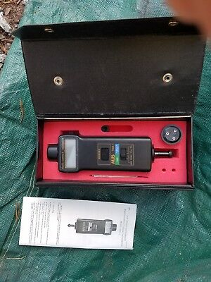 DIGITAL TACHOMETER Photo/Contact AW Sperry branded, - ExTech 461895