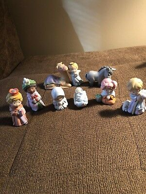AVON HEAVENLY BLESSINGS NATIVITY COLLECTION 9 PIECE  Set  1986