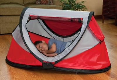 New Kidco PeaPod Plus Portable Travel Bed for Infants and Children,box is worn