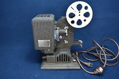 Kodascope Eight Movie Projector With Case Model 80 -Excellent