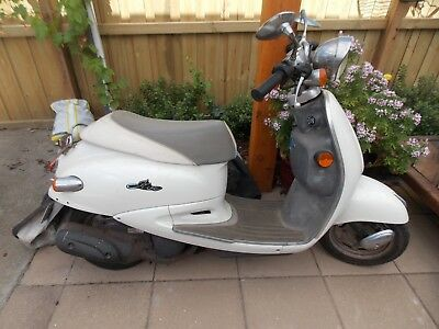 Bolwell SYM Motor Scooter, used, hasn't been started for about 6 months.