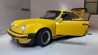 1:24 Scale 1974 Porsche 911 Turbo 3.0 Yellow Welly Diecast metal Model Car 24043