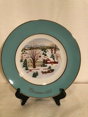 """AVON """"Christmas on the Farm"""" 1973 First Edition Collector Plate - Vintage"""