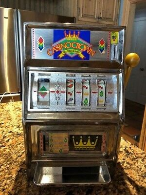Vintage Collectible Casino Crown 25 Cent Slot Machine Gambling - Coins Inside!