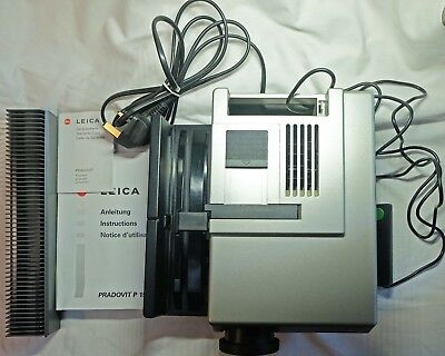 LEICA PRADOVIT P150 35mm Slide Projector
