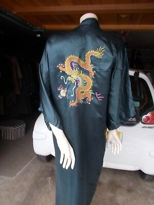 Chinese 100% silk and embroidered dressing gown