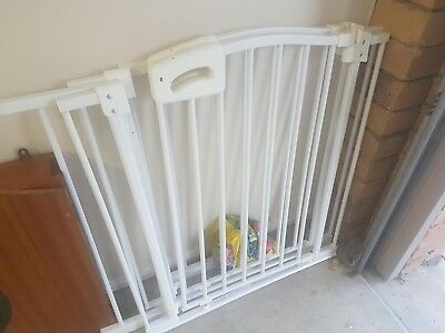 Baby Gate Safety Fence Child Protection Door Dog Cat Pet Barrier