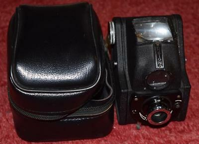 Ful-vue Ensign camera with case
