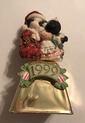 Mary's Moo Moos 1999 Bell I Saw Moo-mmy Kissing Santa Claus