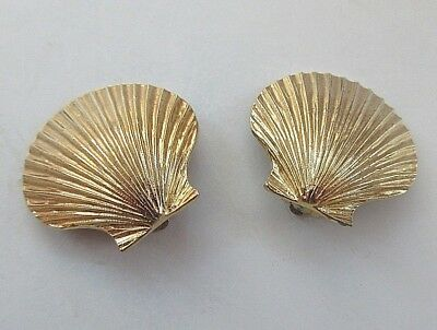 Vintage Gold Tone Scallop Shell Clip On Earrings Signed 929 3cm x 3cm Statement