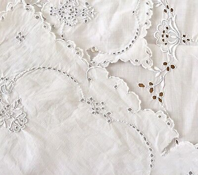 Vintage Exquisite Linen & Embroidery Tablecloth Runner Set
