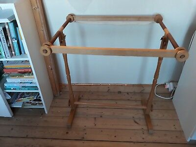 Loom  Stand