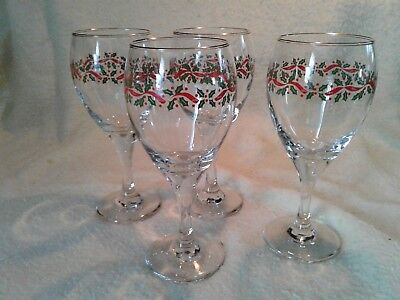 Lot Of 4 Vintage Christmas Holly Berry Wine Glasses