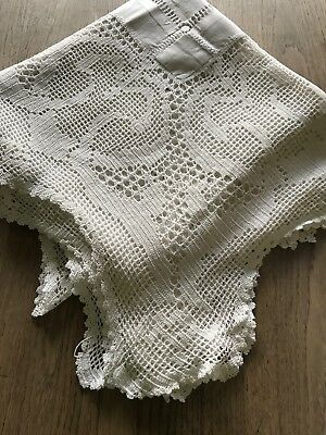 """Antique Victorian Cotton Thread Work And Crochet Edge Table Cloth - 55"""""""
