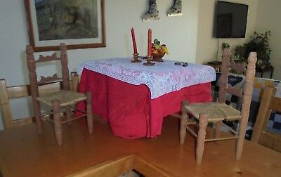 Vintage Country Primitive Wooden Doll Table & 2 Chairs * Tablecloth & Decor