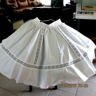 "S #16-Square Dance Skirt,, Full Circle,white,waist,28""-36"", 21 1/2  ""long"
