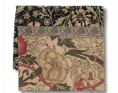 The Metropolitan Museum of Art Women's Silk William Morris Compton Scarf Floral