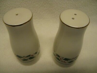 Fine China of Japan Holly Salt & Pepper Shakers Christmas Excellent Condition