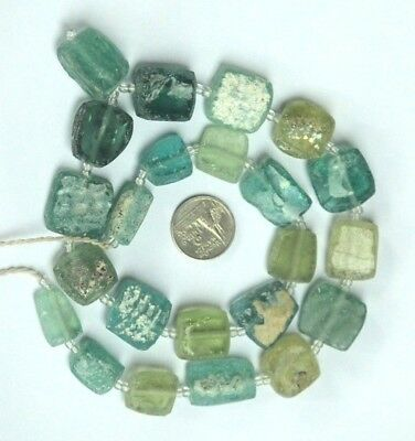 الزجاج الروماني   21 Ancient Roman Glass Old Square Beads 18th Century Necklace